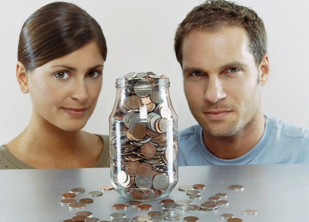Sharing your life with a woman who does not earn enough money